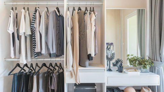 5 conseils pour désencombrer votre placard en une journée