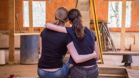 3 raisons de vivre dans une nouvelle maison avant de la rénover